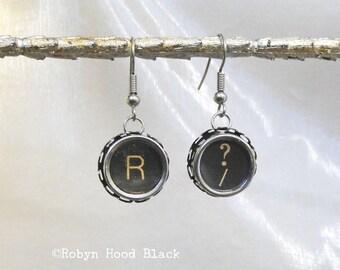 Schreibmaschine Schlüssel Ohrringe Jahrgang Buchstaben R und Fragezeichen/Slash Schlüssel