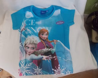 the shirt in blue snow Queen