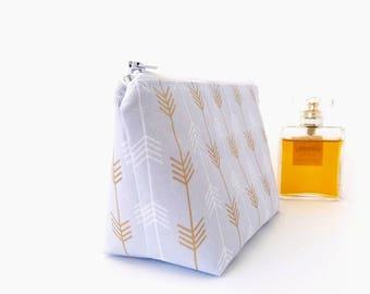 Bridesmaid gift, Makeup bag arrows, Makeup pouch, Make up bag, Makeup zipper pouch, Gold arrow makeup bag, Arrows pouch, Small cosmetic bag
