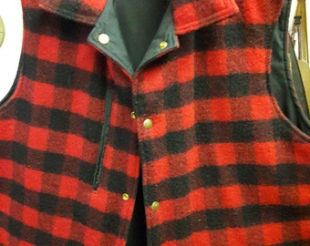 Men's reversible Woolrich Vintage Buffalo plaid wool Hunting Casual Vest - XL