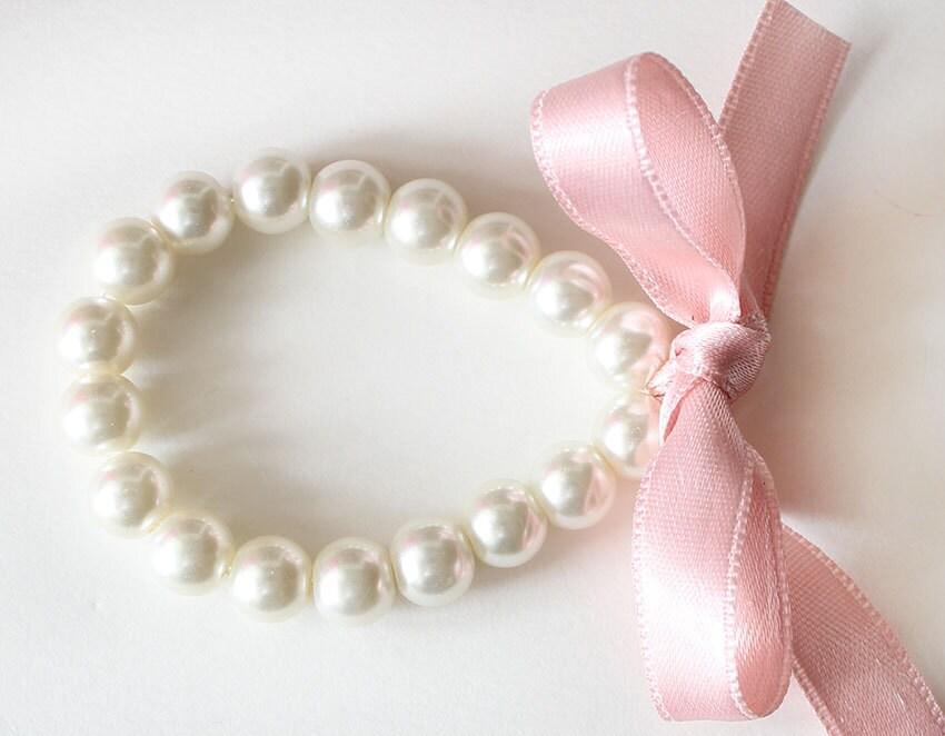 bracelet demoiselle bracelet de perles demoiselle cadeau fard. Black Bedroom Furniture Sets. Home Design Ideas
