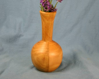 Laurel Wood Bud Vase with Two-Tone Natural Caramel Coloring