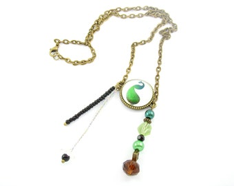 Bronze metal chain necklace and its pattern green Peacock glass cabochon and glass and seed beads