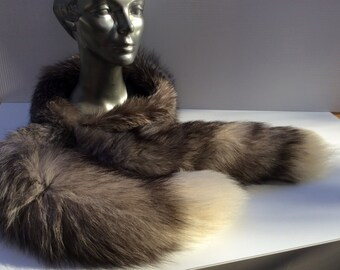 Scarf-collar of silver with tails in finish, Fox attached to the front