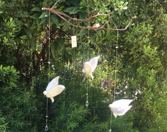 Hummingbird mobil, 3 white beijaflors hanging, magical felted birds