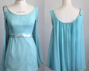 CLEARANCE: Vintage 1960s Robins Egg Blue Blouse / 1960s Flowy Blouse / 60s Sleeveless Shirt / Vintage 60s Top / Crepe Chiffon Top