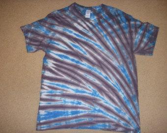 SALE L tie dye tshirt, blue and gray, large