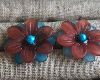 Orange and blue flower stud earring