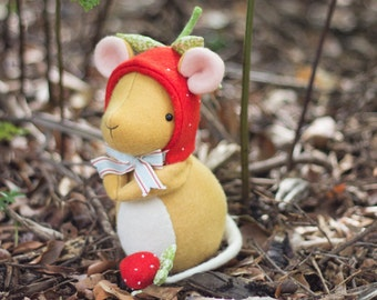 PDF Pattern - 'Strawberry' - Felt Mouse Softie  - Instant Digital Download - Plush Children's Toy