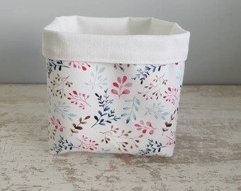 For layered leaves storage basket