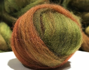 """Olive Green wool roving, Felting wool """"Jade Plant"""" Spinning Fiber, yellow green, olive green roving, rust red, red and green, fox red"""