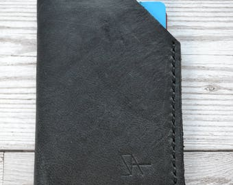 Leather Card Holder / Hand stitched bifold leather wallet. Hand made in London