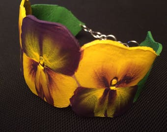 Pansy leather floral bracelet