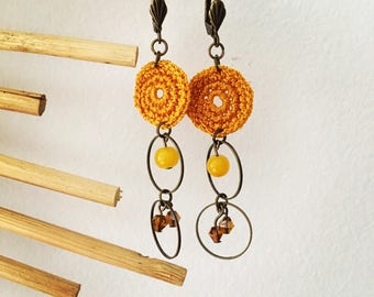 Earrings mustard Ingrid crochet and beads