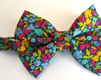 Floral bow tie. neck tie