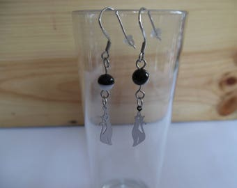 Earrings, cats and onyx beads. Stainless steel.