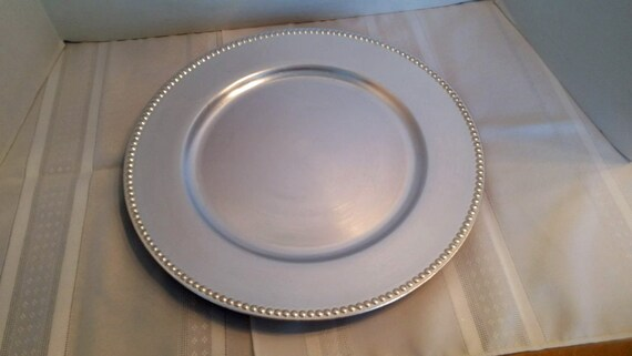 & 13 Inch Silver Plastic Charger Plate