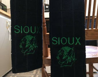 UND Sioux fighting sioux golf bag towels golfing towel grand forks
