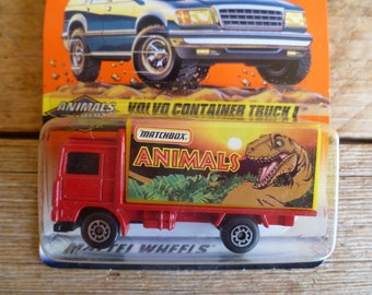 Matchbox Mattel Wheels Animals Series 6 Volvo Container Truck  #44 1997 New on Card
