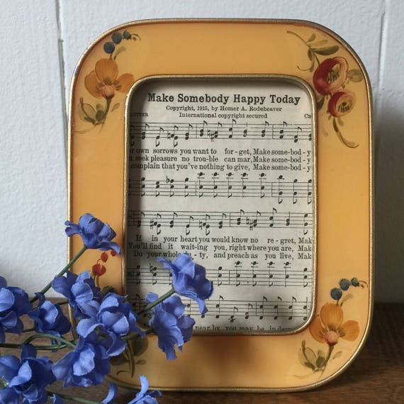 Vintage Buckler\'s Picture Frame, Metal Yellow Enamel Picture Frame ...