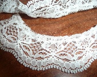 """1 1/2""""  White Bow Design Gathered Lace By The Yard"""