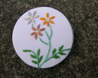 Daisy Spray Brooch: a unique hand made mixed media upcycled brooch using hand embroidered vintage linen napkin