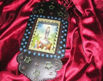 Religious Our Lady of Loudrdes Virgin Mother/Children Nicho Mexican Folk Art Retablo/Diorama..Nice.
