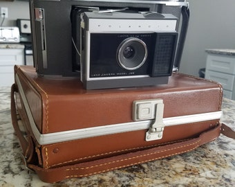 Vintage Polaroid Land Camera, Model J66.