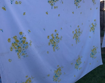 Vintage White with Yellow Flowers Wilendure Cutter Tablecloth