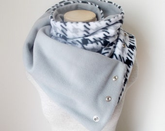 Houndstooth Fleece Snap Scarf