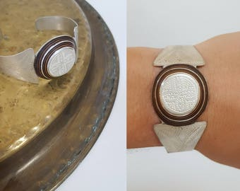 vintage Tuareg Berber Silver Hand Engraved Bracelet with Ebony, from Morocco