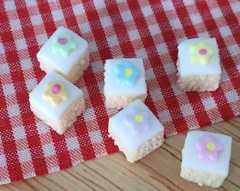 Flower sponge cake squares