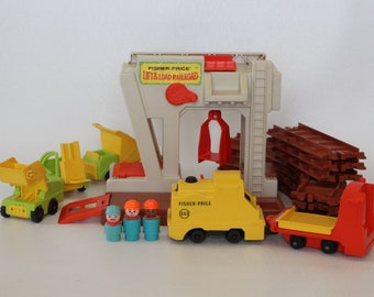 Fisher Price Little People, #943 Lift and Load Railroad, 1978-1979, Made in U.S.A.