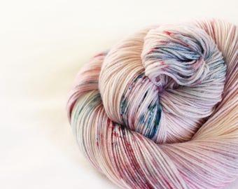 Santa Baby - Nuthatch - 75/25 superwash merino/ nylon sock yarn