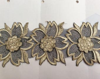 Gold embroidered lace on bottom Black 10 cm wide
