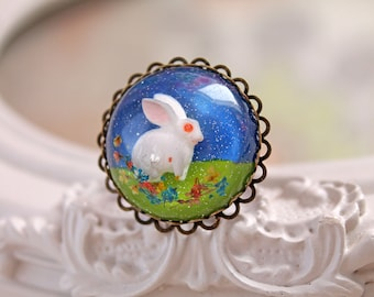 White bunny rabbit in resin  ring kawaii Lolita Alice in Wonderland