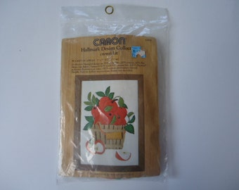 Crewel Kit Hallmark Cards 1974 New in Package