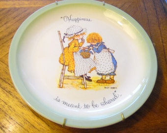 Happiness is meant to be shared.  Hollie Hobbie, w hanger, 1970s collector plate, vintage dolls, 1972 American Greetings