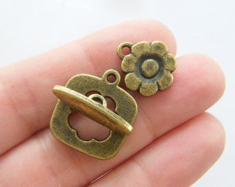 2 Flower toggle clasp sets antique bronze tone BC105