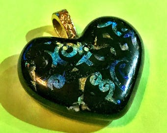 Dichroic heart glass pendant