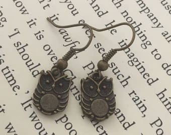 Small woodland owl earrings in antique bronze