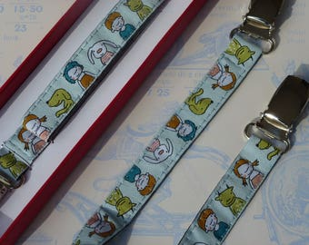 "Box clip toy ""Friends"" in sky blue woven Ribbon"