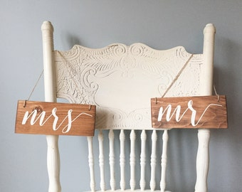 Mr & Mrs, Hanging Chair Signs, Wedding Chair Signs, Mr and Mrs Signs, Small Wedding Sign, Rustic Wedding, Mrs Sign, Bridal Shower, Mr Signs