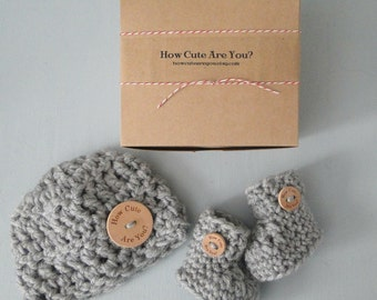New Baby Gift ,Pregnancy Announcement to Grandparents,  Baby Gift, Gender Neutral, Hat and Bootie Set, Custom Made