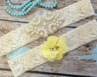 Wedding garter / Lace garter SET / bridal  garter / vintage lace garter / toss garter / wedding garter / pearl garter / lemon