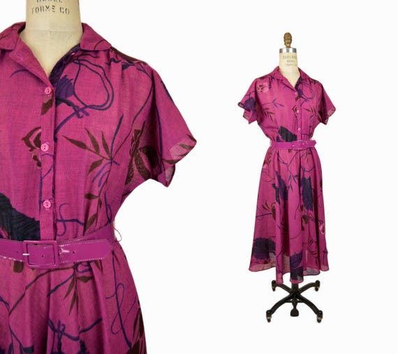 Vintage 70s Hawaiian Print Shirtdress / Tropical Floral Dress in Red Violet - women's small