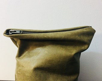 sale distressed green leather clutch handbag, purse, pouch, soft bag, ykk zippered pouch , casual bag