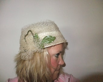 Vintage Hat Fisk Chicago Cream Off White with Geen Leaf
