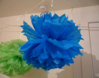 3 tassels in blue tissue paper in 20/30 and 40 cm to 4.80 euro.