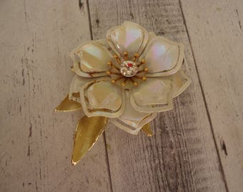 Vintage Enameled Flower Brooch, Off White and Gold Tone w/ Rhinestone Center